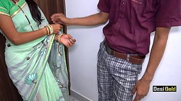 Две подружки в колготках на пару балуются с секс забавками