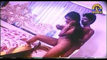 Лесбиянкам нравится лизать ануса и они с удовлетворением занимаются анилингусом