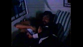 Секс на диванчике с толстушкой в колготках после отсоса на коленях