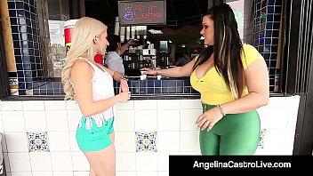 С большими сиськами красотуля жарко порется с охранником после оргии в баре